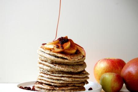 American-pancakes-dadelstroop
