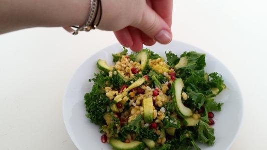 boerenkoolsalade-met-granaatapel